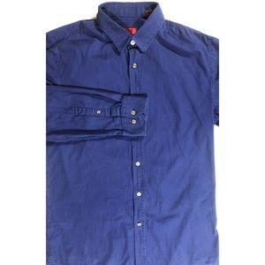 Hugo Boss slim fit shirt size Large color blue.